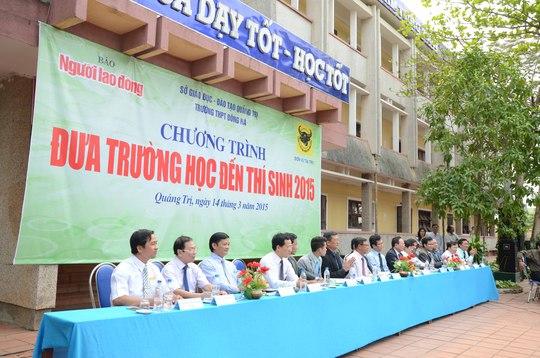 Ban tư vấn chương trình Đưa trường học đến thí sinh 2015 tại Quảng Trị