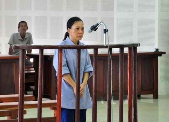 Bị cáo Hương nhận 3 năm tù vì tội làm môi giới hối lộ