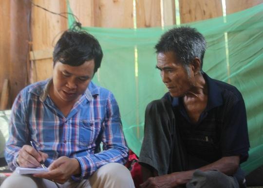 Ông Bình trao đổi với phóng viên Báo Người Lao Động - Ảnh: CTV