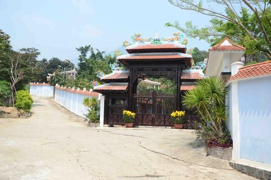 Biệt thự xây dựng trái phép của ông Quang vừa được gia hạn thêm 3 tháng để tháo dỡ cho kịp