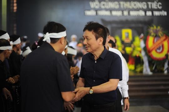 Nhạc sĩ Phú Quang chia buồn cùng gia đình