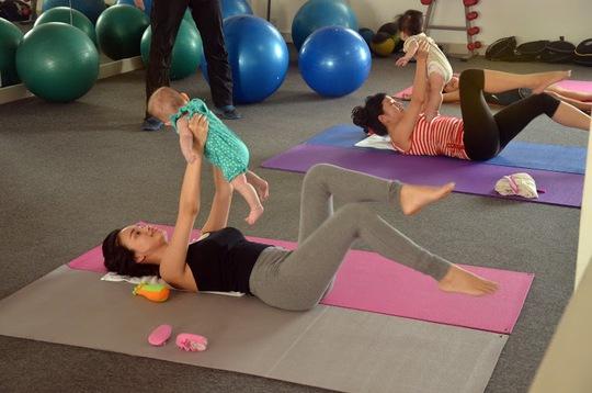 """""""Baby & Me Fitness"""" - Bé phát triển, mẹ giữ dáng"""