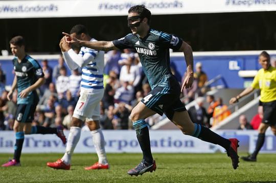 Fabregas vui mừng sau pha lập công duy nhất giúp Chelsea có trận thắng nhọc nhằn Ảnh: REUTERS