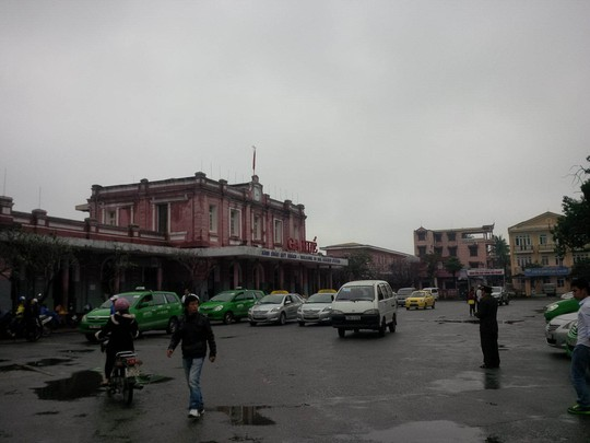 Chiến lược đặt mục tiêu phát triển hệ thống giao thông vận tải đường sắt đồng bộ. Trong ảnh: Ga Huế, tỉnh Thừa Thiên - Huế hiện nay