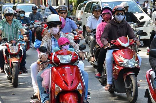 Từ ngày 1-5, TP HCM thực hiện việc thu phí sử dụng đường bộ đối với mô tô, xe máyẢnh: Ngọc Thủy
