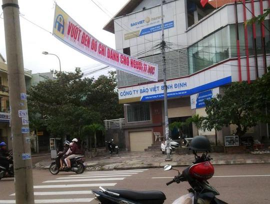 Một băng rôn với khẩu hiệu như trên được treo trên đường Mai Xuân Thưởng, TP Quy Nhơn