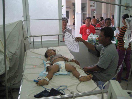Bé Luân đã được chuyển lên Bệnh viện Nhi Đồng II