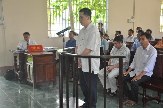 Bị cáo Bùi Chí Linh tại tòa