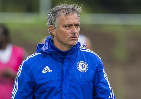 HLV Mourinho không muốn thay đổi đội hình đã giúp Chelsea vô địch Premier League mùa qua