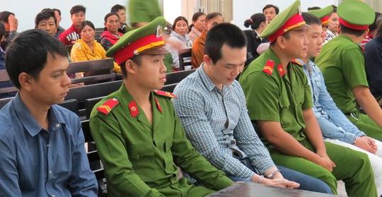 Bị cáo Lê Minh Phát, Lê Ngọc Tâm, Lê Tấn Khỏe tại phiên tòa phúc thẩm sáng 21-1