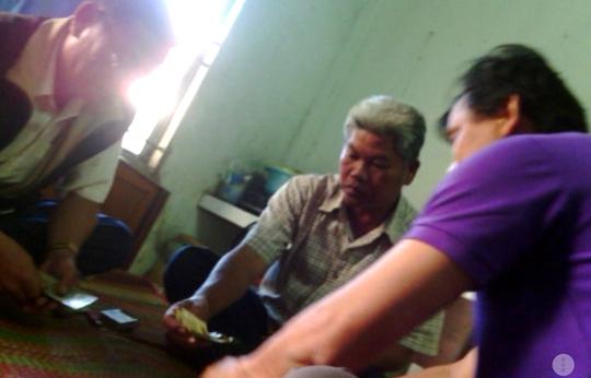 Hậu Giang: Cách chức phó chánh văn phòng vì đánh bạc
