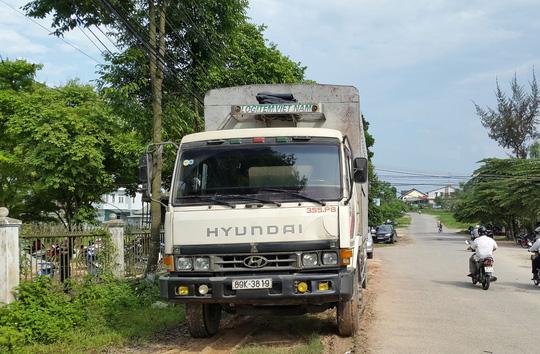 Xe container tông vào xe CSGT trên tuyến Quốc lộ 1 đoạn tránh Huế vào ngày 10-1
