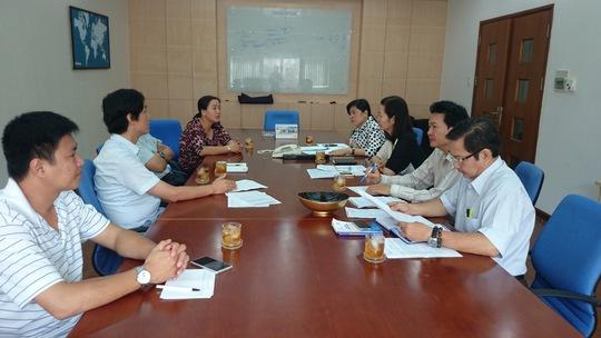 Lãnh đạo LĐLĐ TP HCM và LĐLĐ huyện Củ Chi, TP HCM làm việc với ban giám đốc Công ty Carimax Sài Gòn