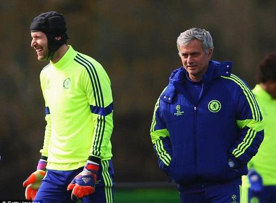 Dù tiêc nuối nhưng ông Mourinho vẫn tôn trọng quyết định của Cech