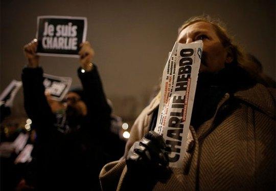 """""""Vụ thảm sát là đòn tấn công vào tự do khắp thế giới"""" - Ban biên tập tạp chí The Times. Ảnh: Reuters"""