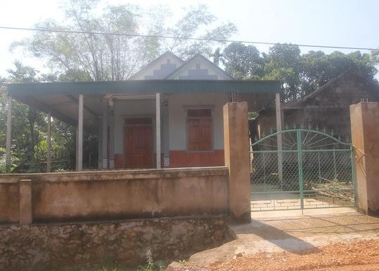 Một ngôi nhà ở xã Mỹ Lộc, huyện Can Lộc, tỉnh Hà Tĩnh đóng cửa vì chủ qua Thái Lan làm thuê Ảnh: ĐỨC NGỌC
