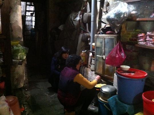 Không gian sống chật chội của một căn nhà ở phố Hàng Bạc
