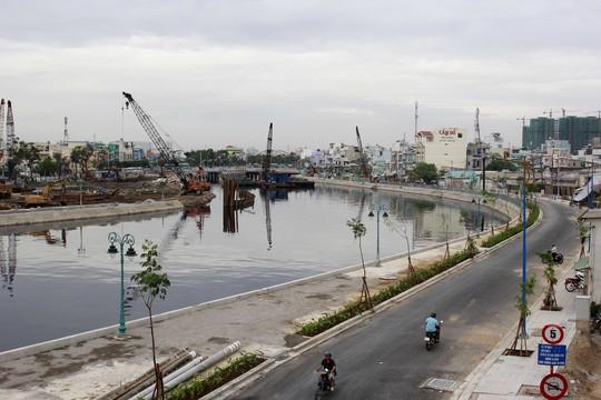 Dự án Cải tạo tuyến kênh Tân Hóa - Lò Gốm mang lại bộ mặt mới cho đời sống  đô thị khu vực này Ảnh: HOÀNG TRIỀU