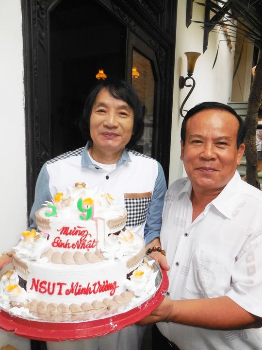 """NSƯT Minh Vương mừng sinh nhật """"tuổi 39"""""""