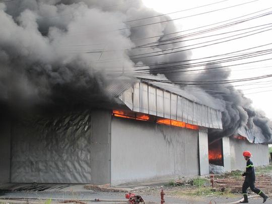 cháy lan toàn phân xưởng