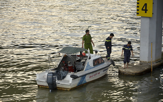 Nạn nhân chết đuối dưới chân cầu Calmette