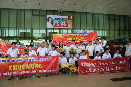 Nhiều bạn trẻ chờ đợi Lý Hoàng Nam từ sớm