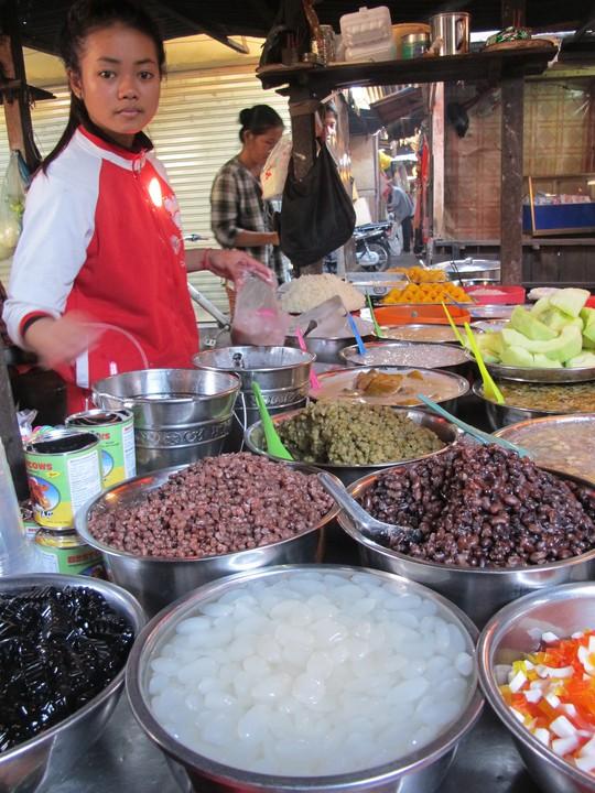 Hàng chè ở chợ Kandal