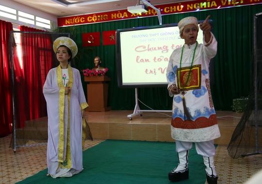 Học sinh Trường THPT Giồng Ông Tố được học văn qua các vai diễn, vở kịch