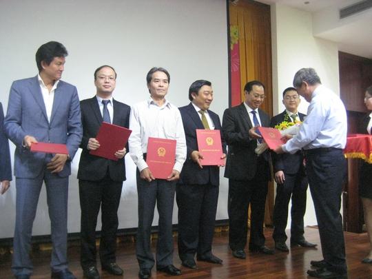 Phó Thống đốc NH Nhà nước Nguyễn Phước Thanh trao quyết định bổ nhiệm lãnh đạo cấp cao VNCB