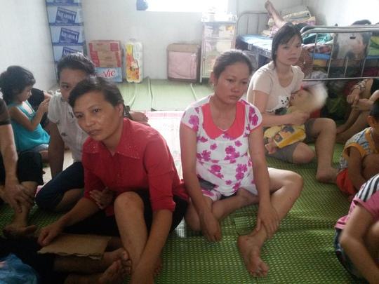 Người dân sơ tán tại Trạm Y tế phường Mông Dương, TP Cẩm Phả, tỉnh Quảng Ninh