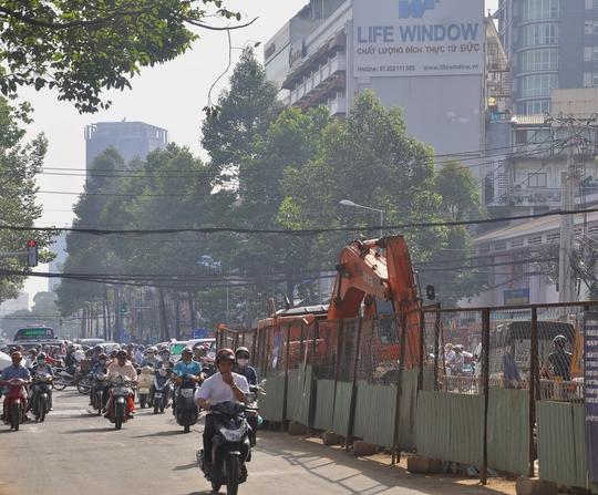 Lô cốt án ngữ tại ngã tư Trần Hưng Đạo - Nguyễn Thái Học (quận 1, TP HCM) Ảnh: Gia Minh