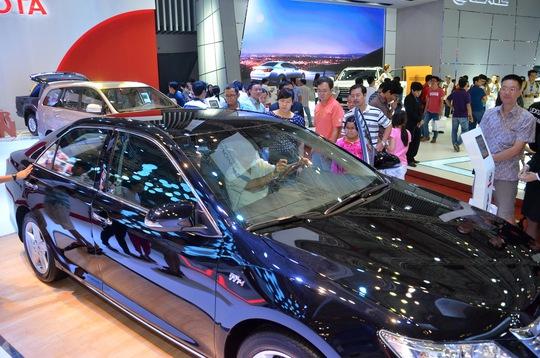 Toyota đòi hỏi nhiều ưu đãi để đứng vững ở thị trường Việt Nam khi thuế suất nhập khẩu tô tô về 0% vào năm 2018.  Trong ảnh: Các mẫu xe do Toyota lắp ráp tại triển lãm Vietnam Motor Show 2014 Ảnh: TẤN THẠNH