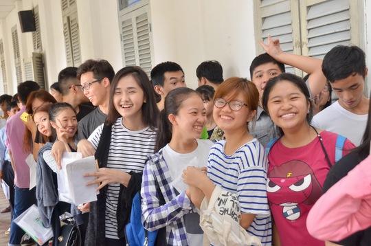 Từ ngày 1 đến 20-8, các trường ĐH, CĐ nhận hồ sơ xét tuyển, thời hạn công bố điểm trúng tuyển chậm nhất vào ngày 25-8