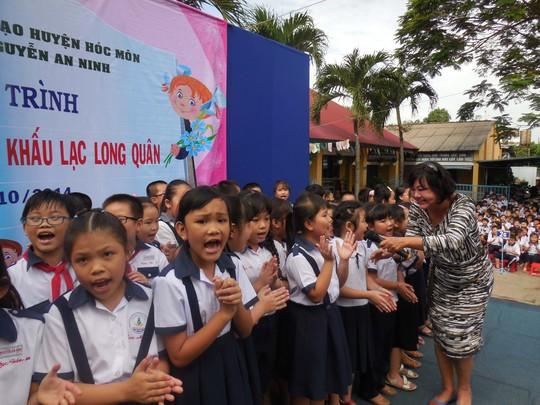 Nghệ sĩ Kiều Phượng Loan nỗ lực đưa cải lương vào học đường Ảnh: Thanh Hiệp