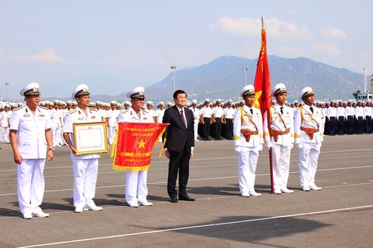 Chủ tịch nước Trường Tấn Sang trao tăng danh hiệu Anh hùng lực lượng vũ trang nhân dân cho quân chủng hải quân