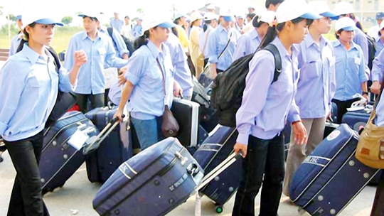 Các chủ lao động tại 10 quốc gia ASEAN đều rất khát lao động có kỹ năng, tay nghề. Việt Nam có khoảng 20% lao động có kỹ năng, chuyên môn, nếu không có cách giữ chân, rất có thể họ sẽ di chuyển sang các quốc gia phát triển hơn, khi AEC được thành lập.