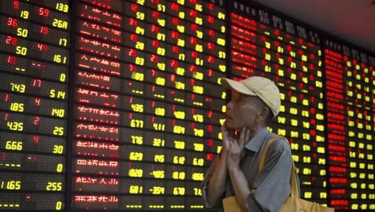 Chuyên gia cho rằng thị trường chứng khoán Trung Quốc bước vào thời kỳ biến động mạnh, tâm lý nhà đầu tư hiện tại rất không ổn định Ảnh: REUTERS
