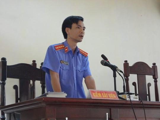 Đại diện Viện kiểm sát bác bỏ ý kiến của LS Nguyễn Văn Tú về việc đề nghị trả lại hồ sơ điều tra bổ sung lại