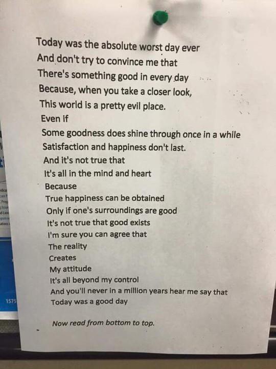 """Bài thơ """"đảo ngược"""" truyền cảm hứng khắp thế giới"""
