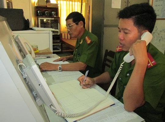 Tổng đài 113 Công an tỉnh Vĩnh Long tiếp nhận tin báo của người dân. Ảnh: Công an Vĩnh Long cung cấp