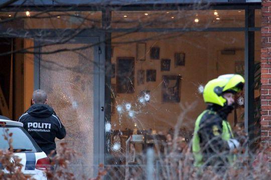 Hiện trường vụ xả súng quán cà phê. Ảnh: Mirror