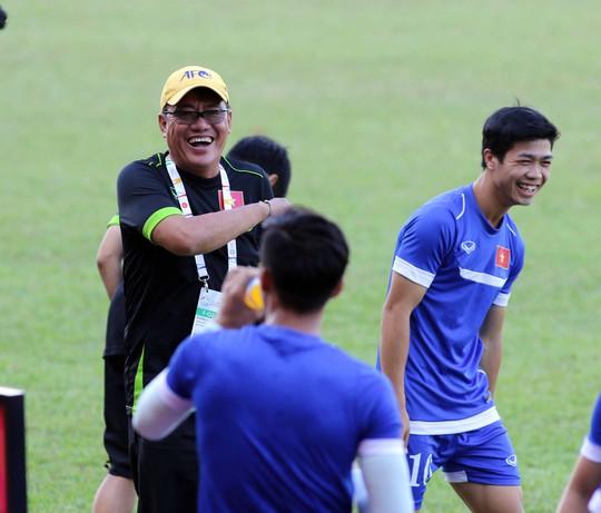 Công Phượng và đồng đội phải giữ sức cho trận gặp U23 Đông Timor nên không xem truyền hình trực tiếp chung kết Champions League  Ảnh: Quang Liêm