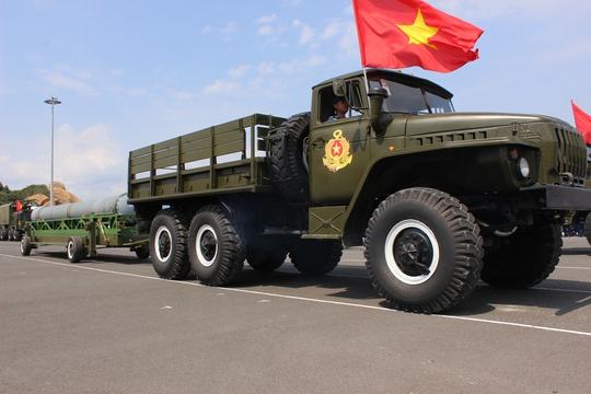 """Chiêm ngưỡng 5 """"quả đấm thép"""" của Hải quân Việt Nam"""