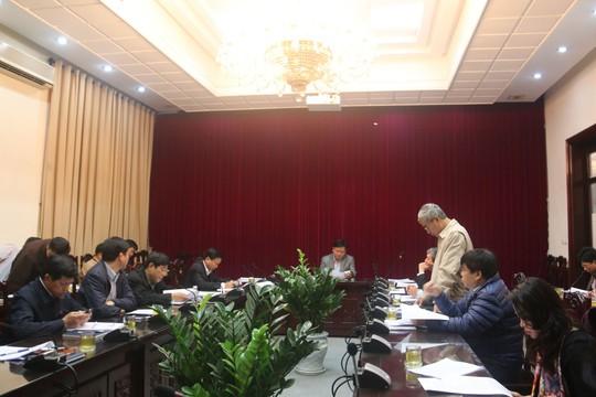Ông Nguyễn Hữu Thắng báo cáo về Đề án xã hội hóa lĩnh vực đường sắt trong cuộc họp do Bộ trưởng GTVT Đinh La Thăng chủ trì sáng 22-1 - Ảnh: Cổng TTĐT Bộ GTVT
