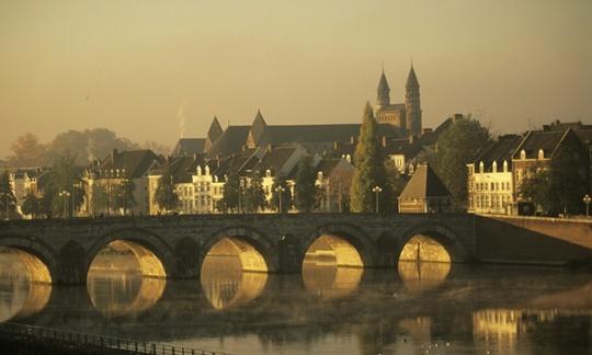 Thành phố Maastricht của Hà Lan - nơi ba mẹ con sinh sống trước khi sang Syria