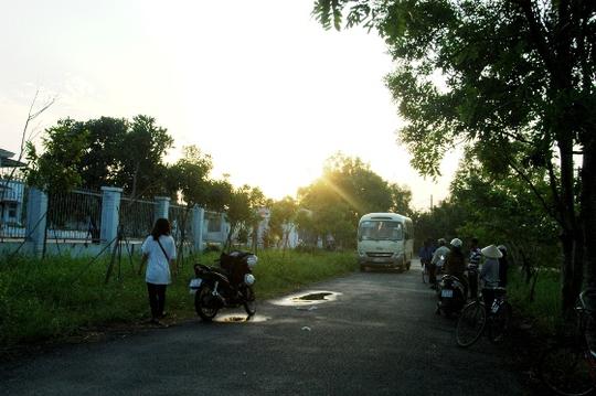 UBND xã Nhị Bình, Hóc Môn, nơi nghi can Tiến được tạm giam và lấy lời khai