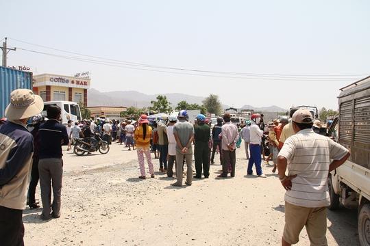 Tình hình mất trật tự trên QL1 ở xã Vĩnh Tân, trong các ngày 14 và 15-4-2015