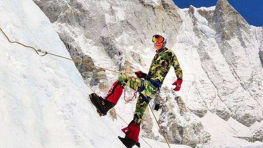 Dan Fredinburg trong một chuyến leo núi. Ảnh: Instagram