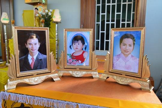 Di ảnh của các nạn nhân trong vụ tai nạn thương tâm