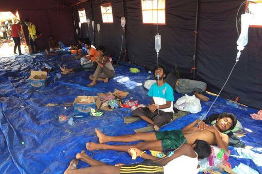 Người di cư được chăm sóc y tế ở Langsa - Indonesia Ảnh: ABC NEWS